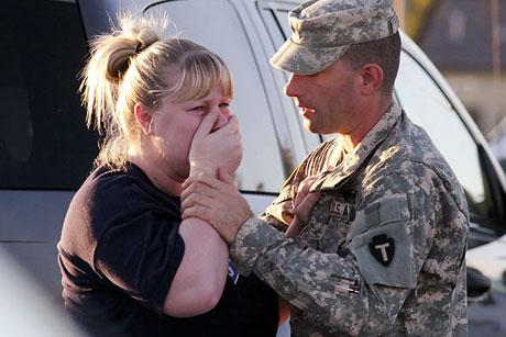ABD askerî üssünde çatışma: 12 ölü galerisi resim 1