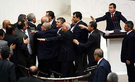 Meclis'te 'açılım' kavgası! galerisi resim 1