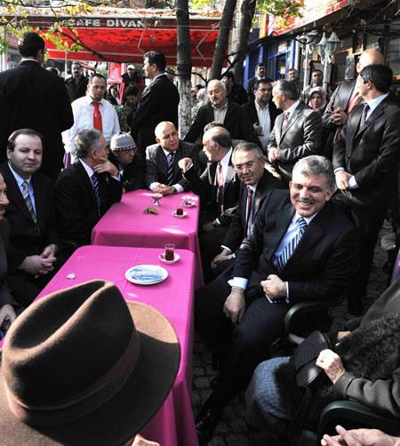 Cumhurbaşkanı halkla çay içti! galerisi resim 4
