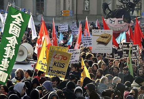 İsviçre sokakları alev alev! galerisi resim 12