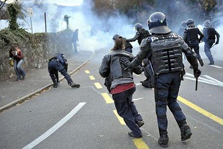 İsviçre sokakları alev alev! galerisi resim 2