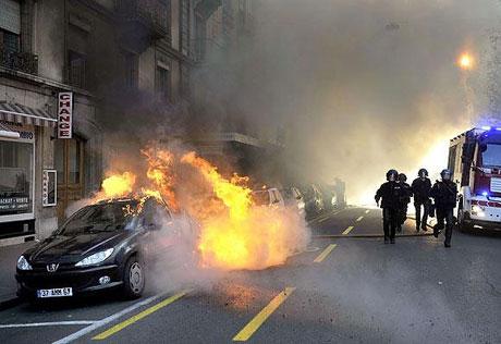 İsviçre sokakları alev alev! galerisi resim 24