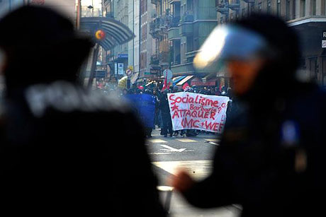 İsviçre sokakları alev alev! galerisi resim 25