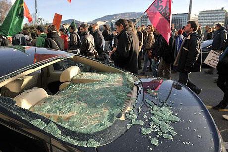 İsviçre sokakları alev alev! galerisi resim 8