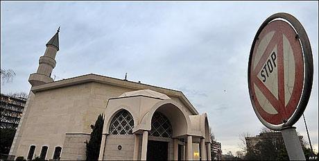 Fotoğraflarla minare yasağı galerisi resim 19