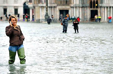 Venedik yine sular altında kaldı! galerisi resim 21