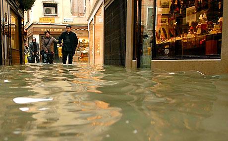 Venedik yine sular altında kaldı! galerisi resim 7