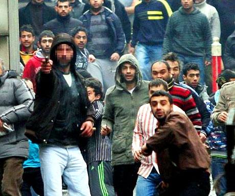 İstanbul'da silahlar çekildi! galerisi resim 13