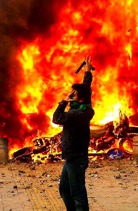 İran yine kırmızı: Gösteriler durmuyor! galerisi resim 14