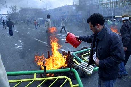 İran yine kırmızı: Gösteriler durmuyor! galerisi resim 15