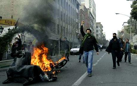 İran yine kırmızı: Gösteriler durmuyor! galerisi resim 17