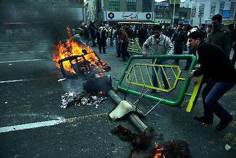 İran yine kırmızı: Gösteriler durmuyor! galerisi resim 18