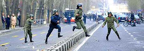 İran yine kırmızı: Gösteriler durmuyor! galerisi resim 2