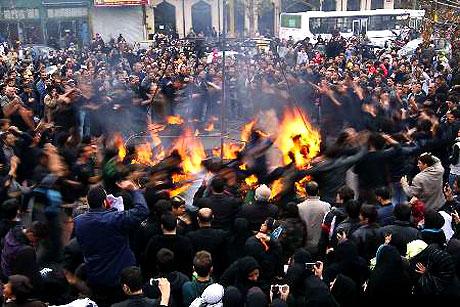 İran yine kırmızı: Gösteriler durmuyor! galerisi resim 21