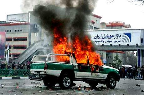 İran yine kırmızı: Gösteriler durmuyor! galerisi resim 23