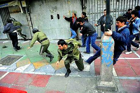İran yine kırmızı: Gösteriler durmuyor! galerisi resim 3