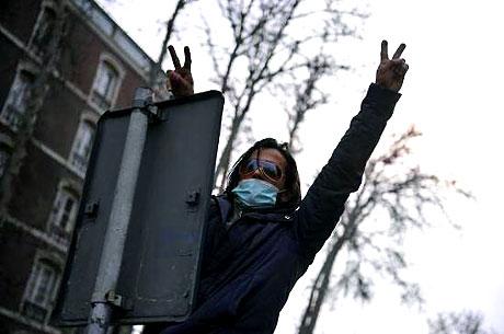 İran yine kırmızı: Gösteriler durmuyor! galerisi resim 30