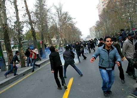 İran yine kırmızı: Gösteriler durmuyor! galerisi resim 4