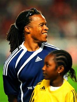 Ünlü futbolcular Haiti için oynadı galerisi resim 19
