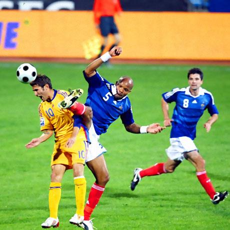 Ünlü futbolcular Haiti için oynadı galerisi resim 24