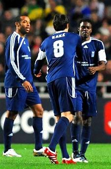 Ünlü futbolcular Haiti için oynadı galerisi resim 9
