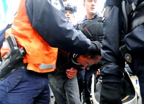 Polis, kadın çocuk ayırmadı! galerisi resim 28