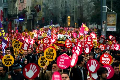 Meydanlarda 28 Şubat protestosu galerisi resim 10