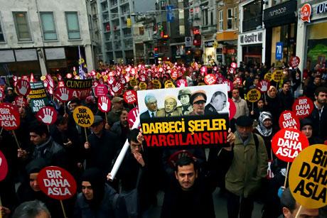 Meydanlarda 28 Şubat protestosu galerisi resim 12