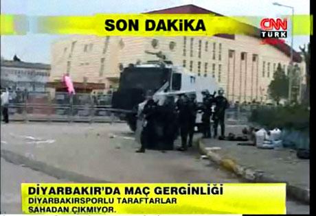 Diyarbakır Bursa maçında olaylar çıktı! galerisi resim 16