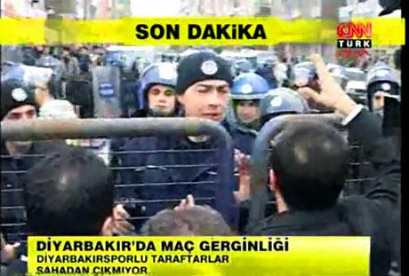 Diyarbakır Bursa maçında olaylar çıktı! galerisi resim 17