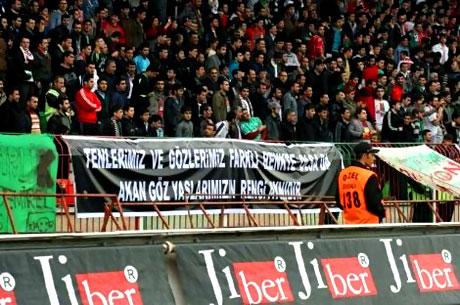 Diyarbakır Bursa maçında olaylar çıktı! galerisi resim 3