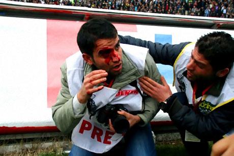 Diyarbakır Bursa maçında olaylar çıktı! galerisi resim 33