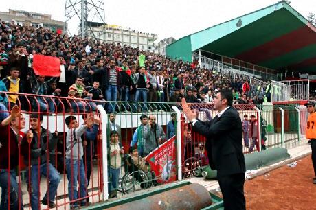 Diyarbakır Bursa maçında olaylar çıktı! galerisi resim 35