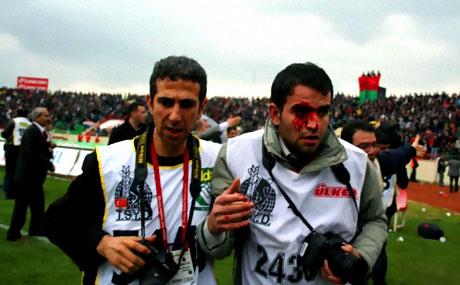 Diyarbakır Bursa maçında olaylar çıktı! galerisi resim 36