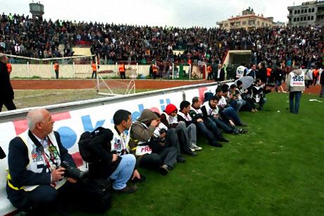 Diyarbakır Bursa maçında olaylar çıktı! galerisi resim 37