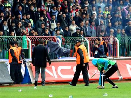 Diyarbakır Bursa maçında olaylar çıktı! galerisi resim 38