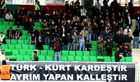 Diyarbakır Bursa maçında olaylar çıktı! galerisi resim 4