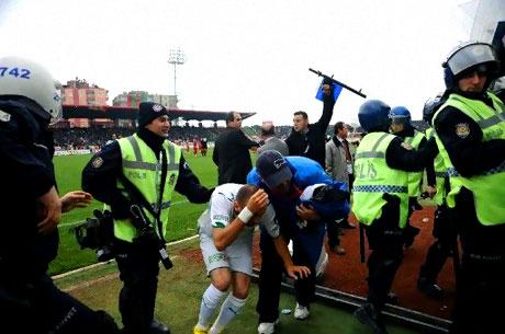 Diyarbakır Bursa maçında olaylar çıktı! galerisi resim 45