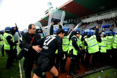 Diyarbakır Bursa maçında olaylar çıktı! galerisi resim 46