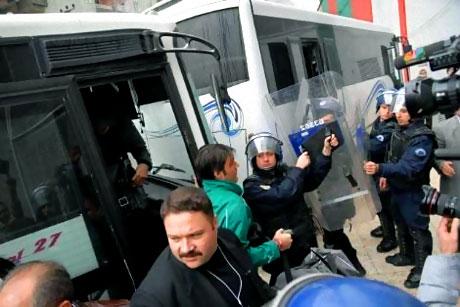 Diyarbakır Bursa maçında olaylar çıktı! galerisi resim 8