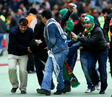 Diyarbakırspor - İBB maçında olaylar çıktı galerisi resim 12