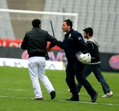 Diyarbakırspor - İBB maçında olaylar çıktı galerisi resim 5