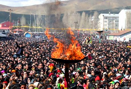 Yüksekova'da görkemli Newroz galerisi resim 10