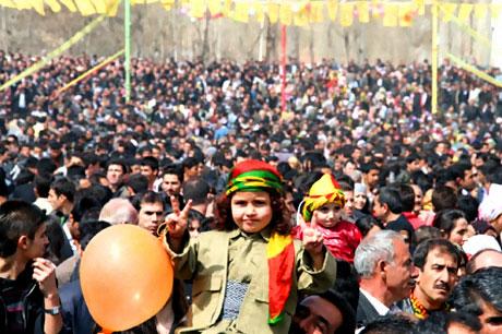 Yüksekova'da görkemli Newroz galerisi resim 12