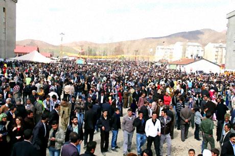 Yüksekova'da görkemli Newroz galerisi resim 15