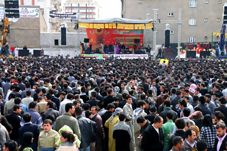 Yüksekova'da görkemli Newroz galerisi resim 2