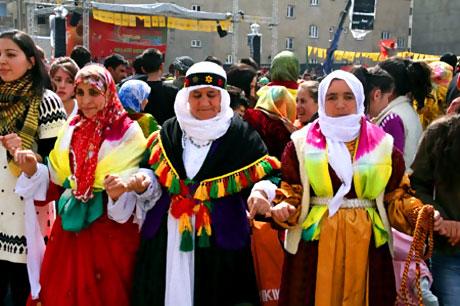 Yüksekova'da görkemli Newroz galerisi resim 22
