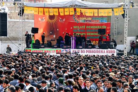 Yüksekova'da görkemli Newroz galerisi resim 3
