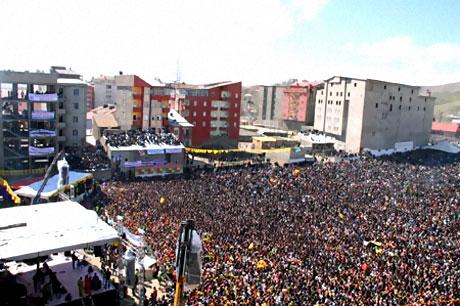 Yüksekova'da görkemli Newroz galerisi resim 33