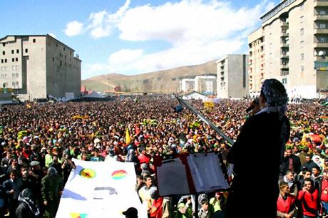 Yüksekova'da görkemli Newroz galerisi resim 36